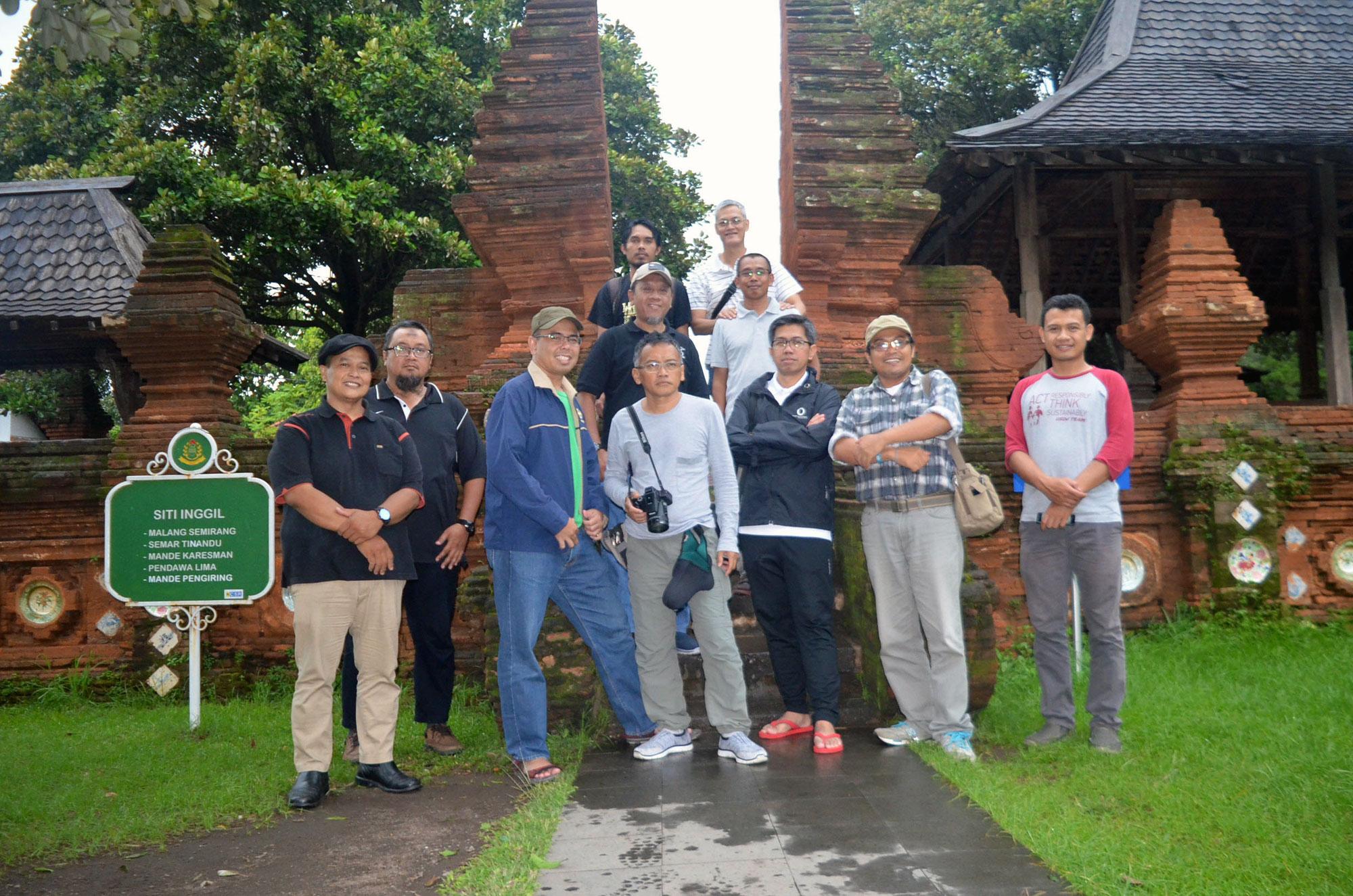 Tips Mencari Perusahaan Rental Hiace Terbaik di Cirebon